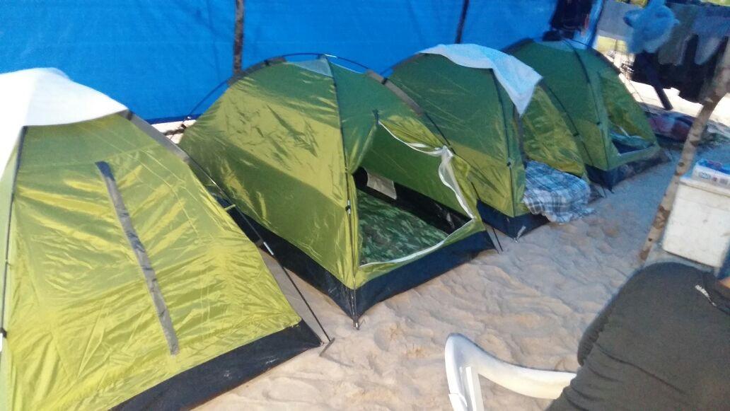 Pacote de Acampamento para Pesca Selvagem na Amazônia