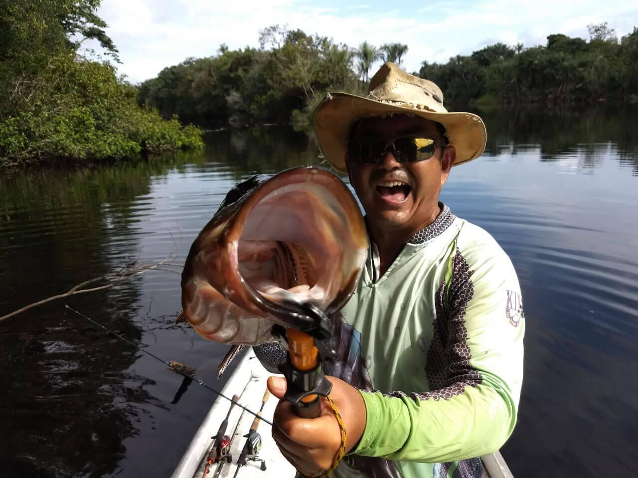 Pesca de Tucunaré no Rio Negro